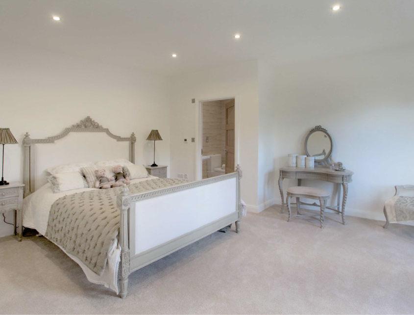 bedroom-embankment
