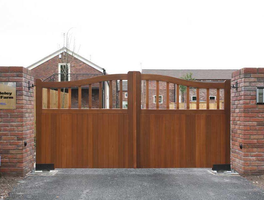 bradley-hall-farm-gates